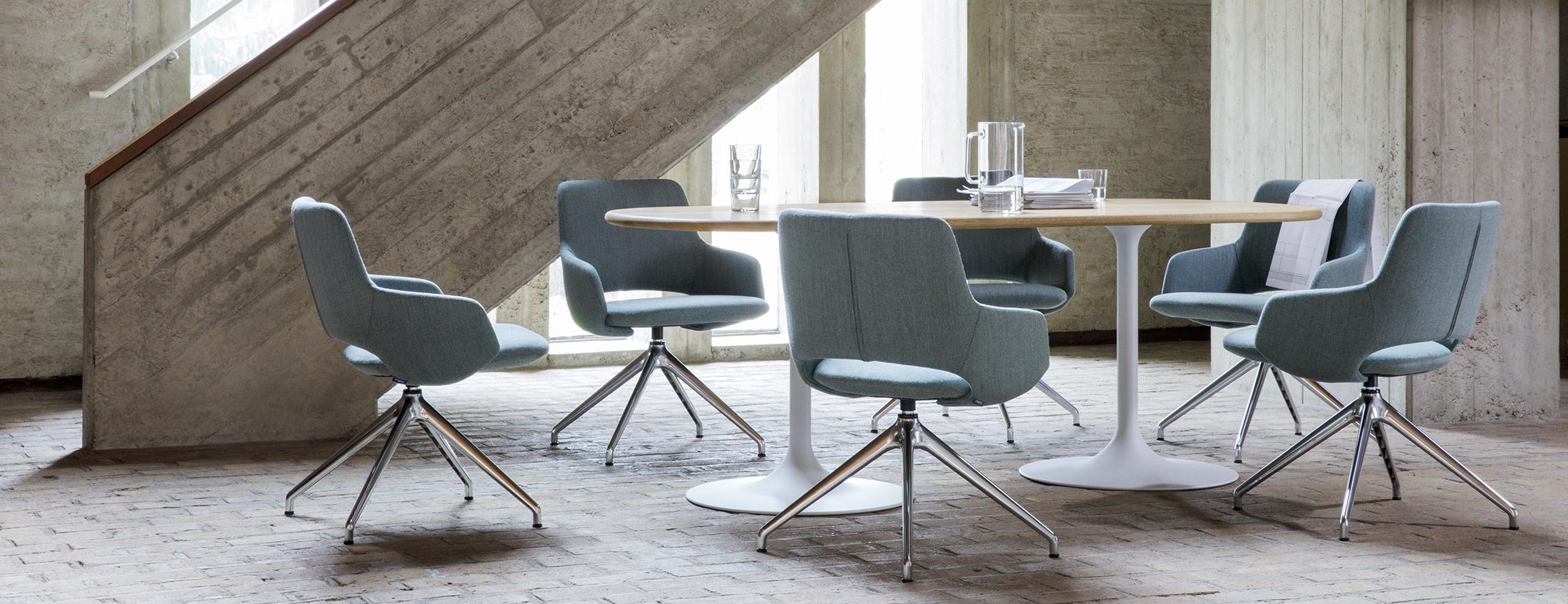 Artifort Design Salontafel.Gentle Landscapes Jima Clarion