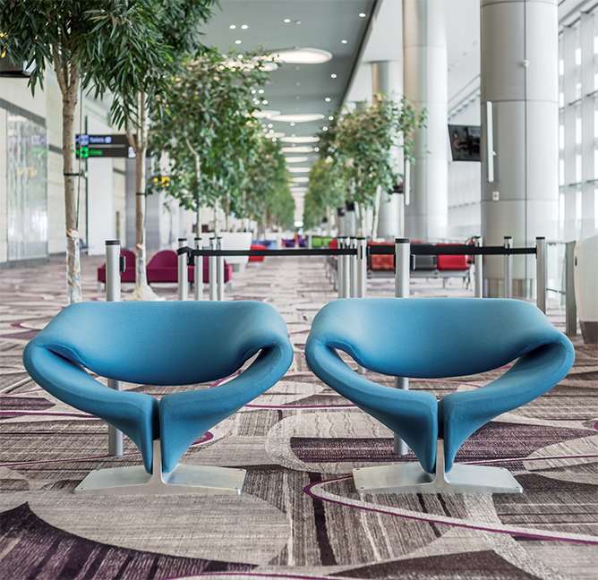 Ribbon fauteuils in  Changi Airport. Foto's en meer.
