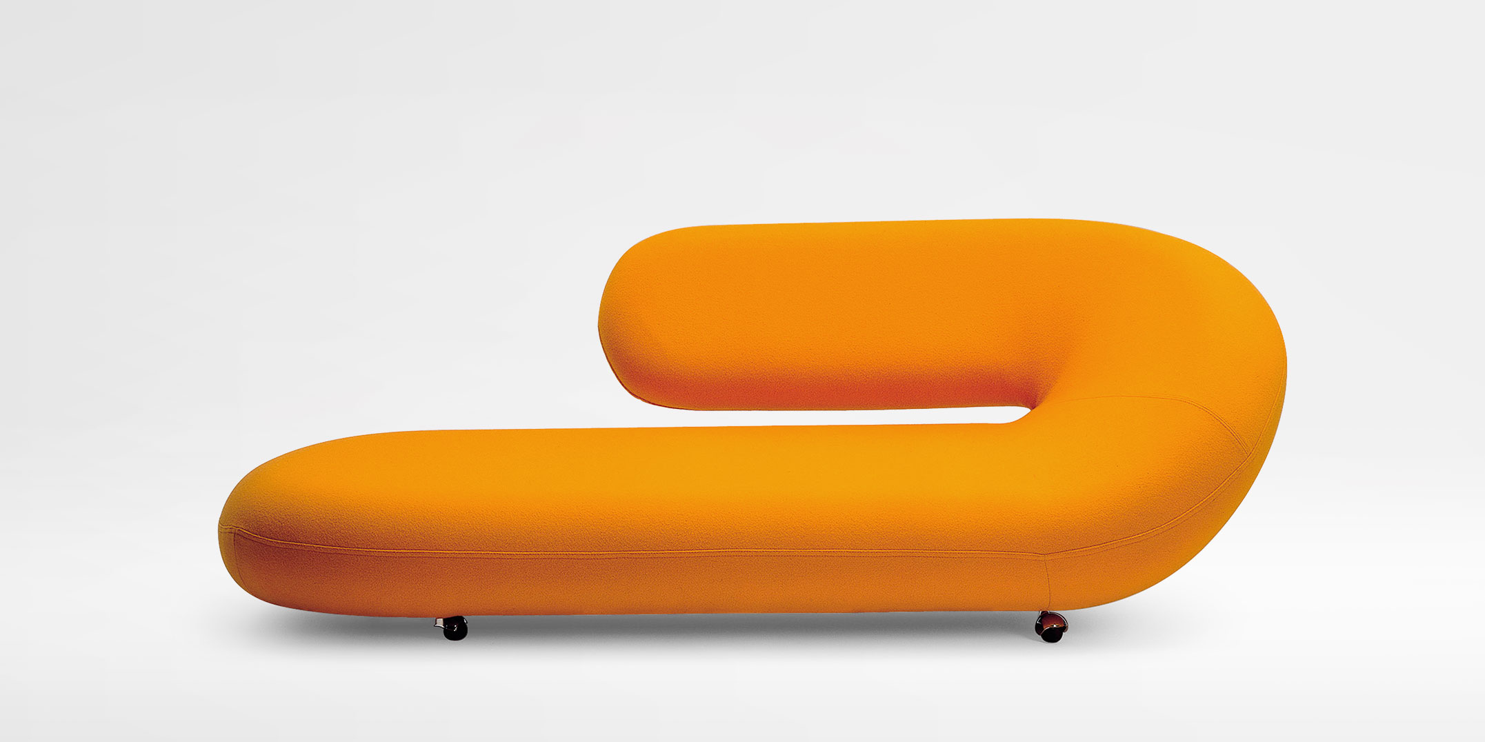 Model for Artifort chaise longue