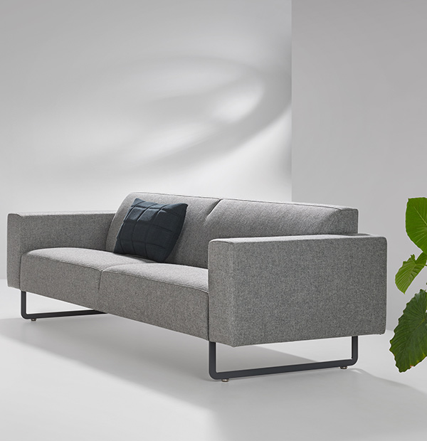 Artifort mare sofa fixed cushion design sofa for Sofa 45 grad